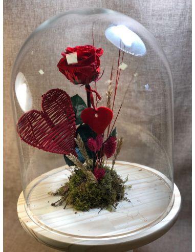 urna cristal con roja y corazón