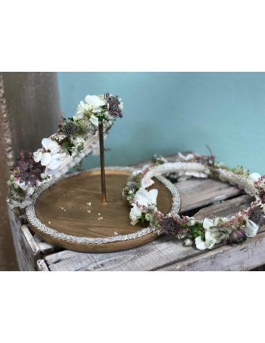 Corona de flor preservada lila