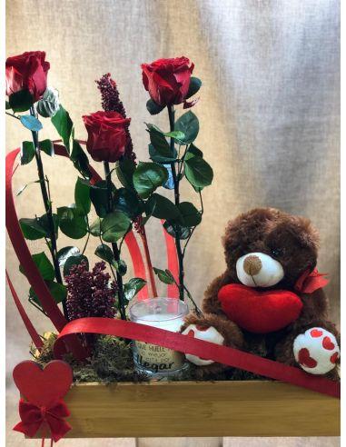 Centro de rosas preservadas con...
